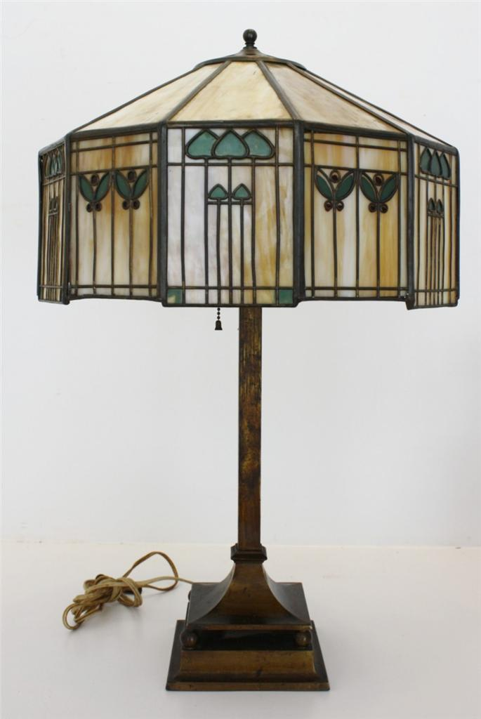 Dons lamps antiques handel table lamp in todays market all handel lamps are highly sought after with prices ranging from 2000 00 dollars for lamps with simpler designs to over 100 000 mozeypictures Choice Image